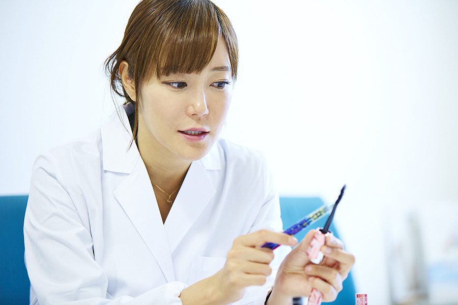 安田彩(美容発明家)のwikiプロフ!大ヒットマスカラや年収や結婚が気になる!【金曜ロードSHOW】