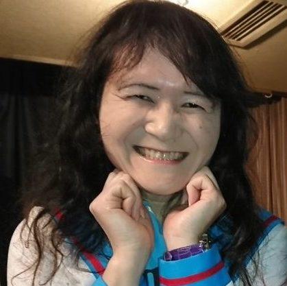 マジカルエミちゃん(Emi-chan/永遠の17歳アイドル)の本名や年齢や動画がヤバい!?結婚や喋り方が気になる!【アウトデラックス】