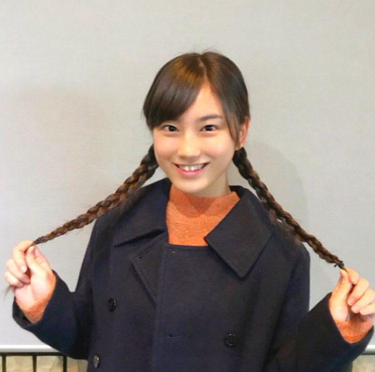 爆報フライデーの再現ドラマ(VTR)で市川由紀乃の幼少期を演じた女の子は誰?小島愛果?