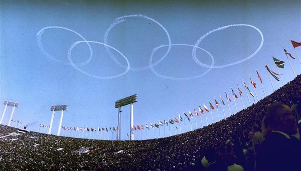 【激レアさん】東京五輪(オリンピック)とは?開会式で空に描いたのはブルーインパルスだった?
