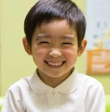 村山輝星(むらやまきらり)の英語力は帰国子女によるもの?性別や笑顔、子役動画が魅力的!